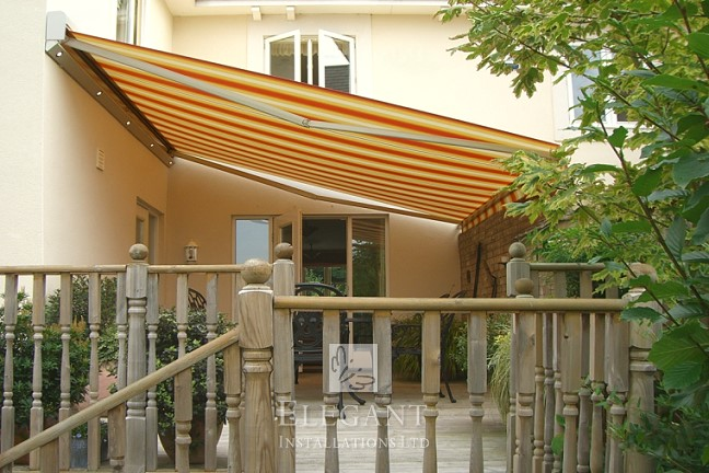 Made to measure awning exactly fitting this raised deck
