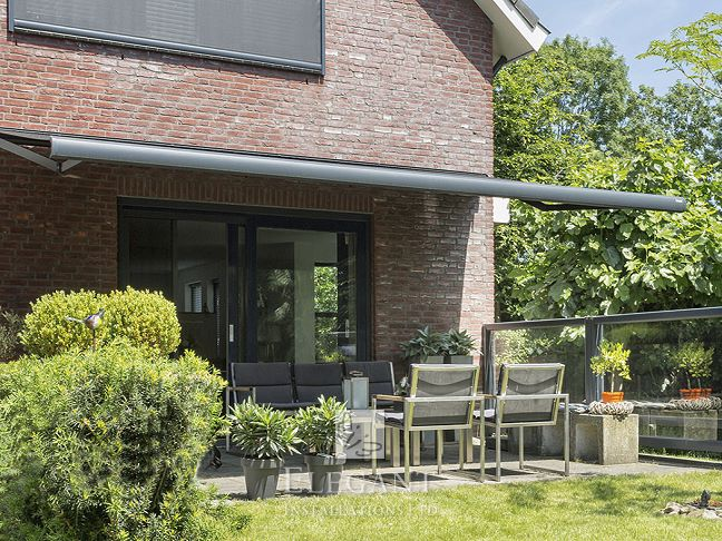 Moderna Patio Awning